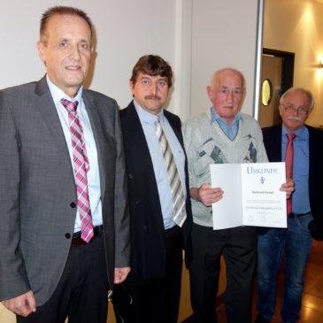 Verdiente Auszeichnung für Berthold Kempf